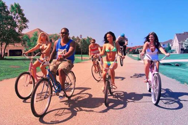 fam-lay-beach-cruiser-produced-by-chad-hugo-0