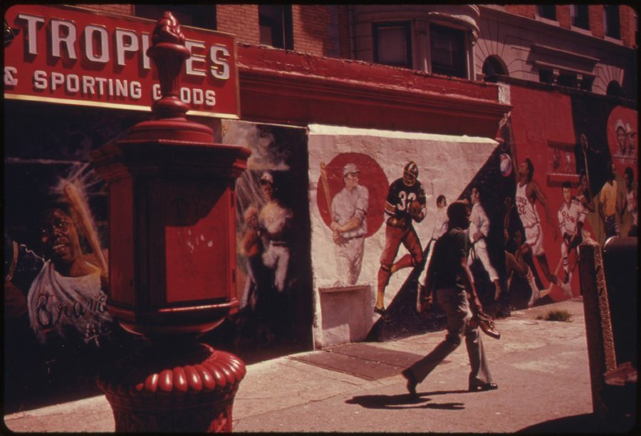 black-sports-heros-are-the-motifs-in-the-wall-paintings-on-nostrand-ave-brooklyn