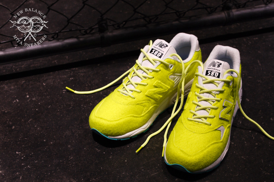 mita-sneakers-new-balance-mrt580-battle-surfaces