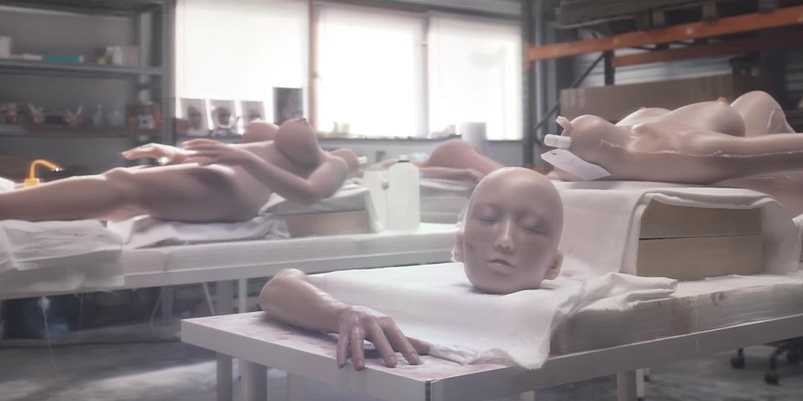 À voir : L.O.A.S en Pygmalion dans 'Flingue en porcelaine'