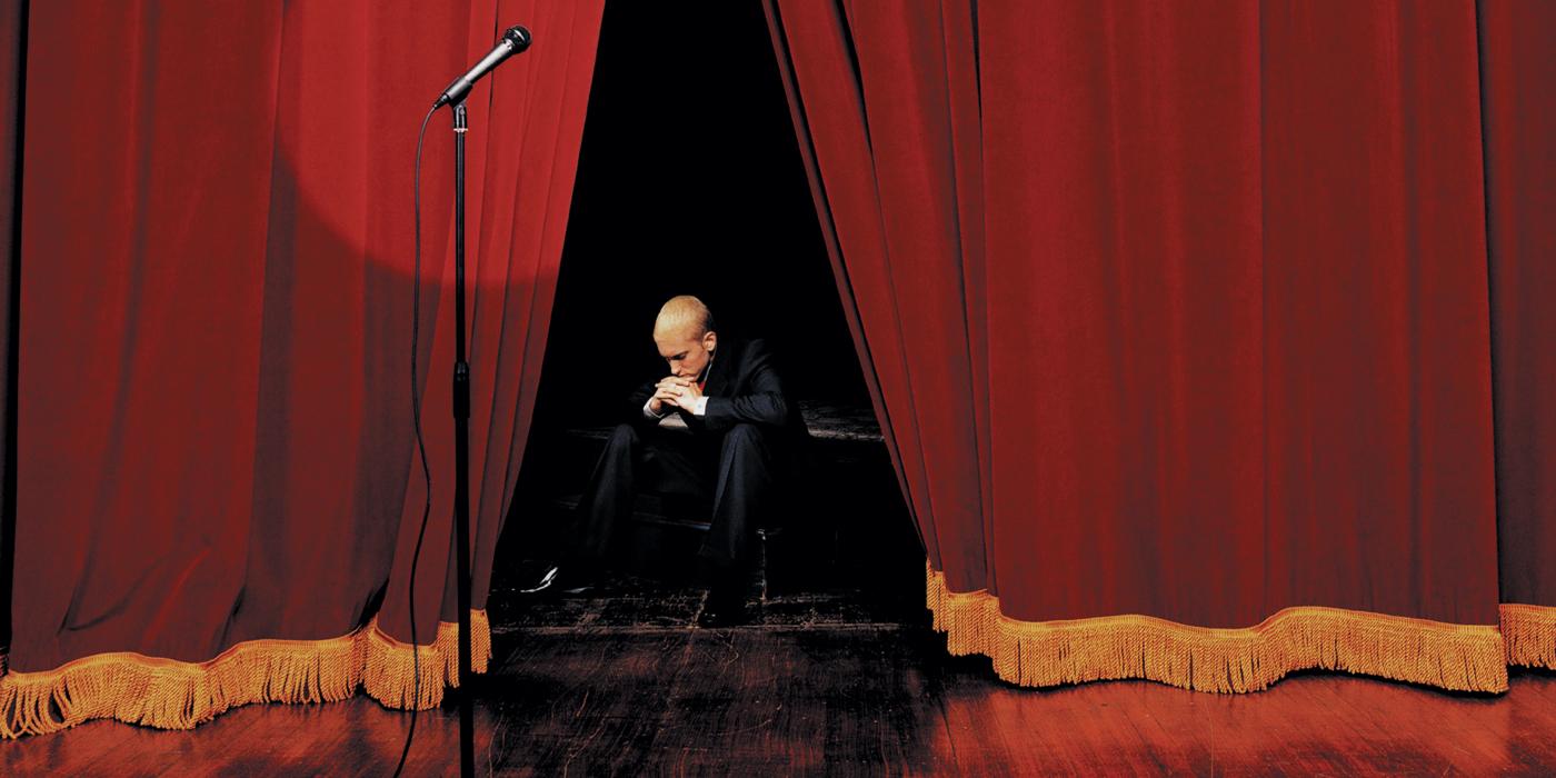 Eminem fête les 15 ans de 'The Eminem Show' en petite pompe